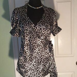BCBGMaxazria size medium wrap blouse pug sleeves